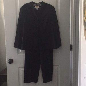 Pants suit- dressy